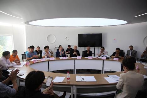 2018年6月,中国探险协会主席严江征及多位理事,邀请韩勃先生主导协会的社会化转型工作。
