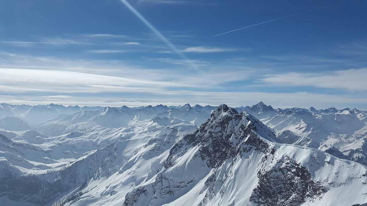 一起爬山吗?入门级雪山那种