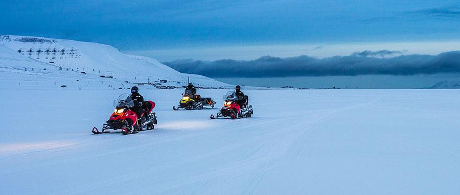 野外探险小百科:雪地摩托车,驰骋雪原,打破冬季休眠状态