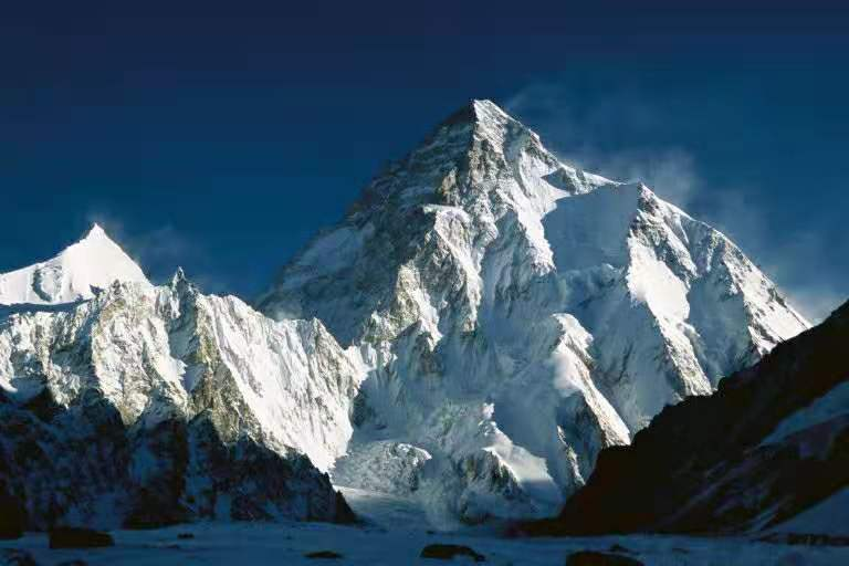 比珠峰更难攀登的K2,终于完成人类历史上首次冬季无氧登顶